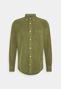 MANZA SLIM - Shirt - leaf green