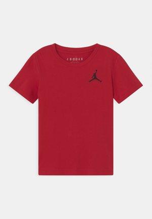 JUMPMAN AIR - Camiseta básica - gym red