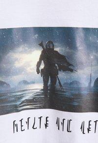 Element - STAR WARS X ELEMENT RAIN - T-shirt print - optic white - 2