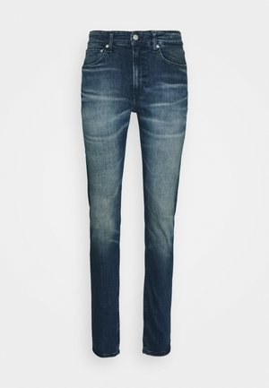 CKJ 058 SLIM TAPER - Jeansy Skinny Fit - denim medium
