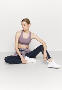 Nike Performance - Collant - obsidian/white - 1