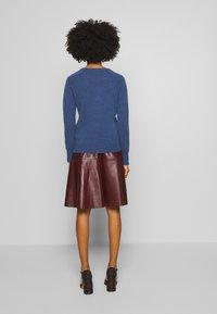pure cashmere - CLASSIC CREW NECK  - Svetr - dust blue - 2