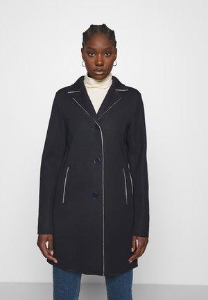 CITY - Klasyczny płaszcz - marine