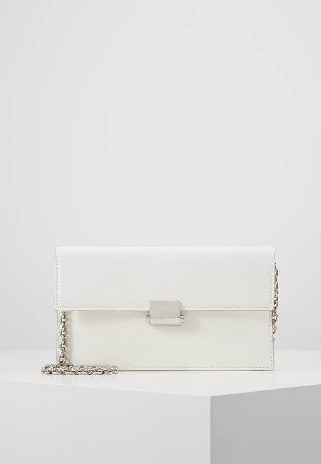 CARYS - Clutch - off white