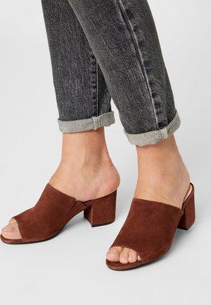 BIACATE - Heeled mules - brown