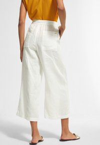 comma casual identity - Tracksuit bottoms - white - 2