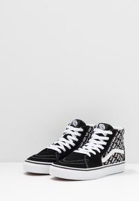 Vans - SK8 UNISEX - Sneaker high - black/true white - 3