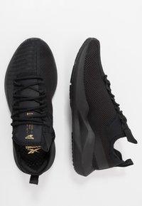 Reebok - SOLE FURY - Obuwie do biegania treningowe - black/gold - 1