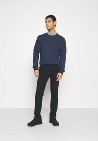 Only & Sons - ONSMARK PANTS CHECK - Kalhoty - dark blue - 1