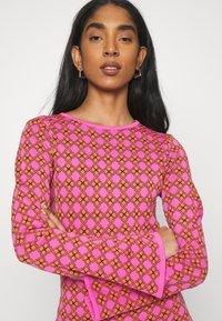 Never Fully Dressed - MOSAIC TILE SWING DRESS - Jumper dress - pink - 3