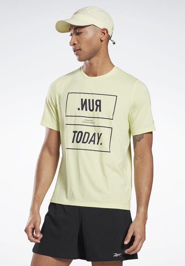 ONE SERIES RUNNING ACTIVCHILL TEE - Print T-shirt - yellow