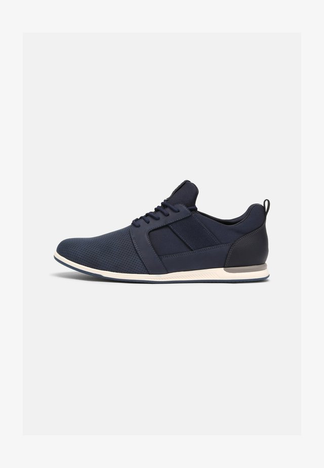 MOONAH - Trainers - navy