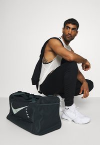 Nike Performance - DUFF UNISEX - Sports bag - seaweed/seaweed/pistachio frost - 0