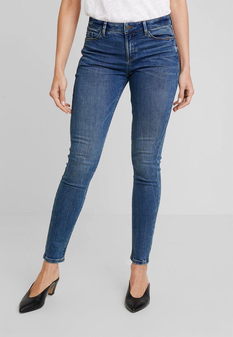 Esprit - Slim fit jeans - blue medium wash