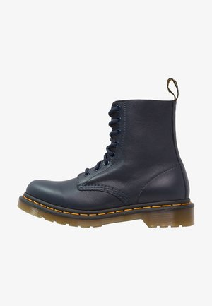 1460 PASCAL 8 EYE BOOT  - Nauhalliset nilkkurit - dress blue