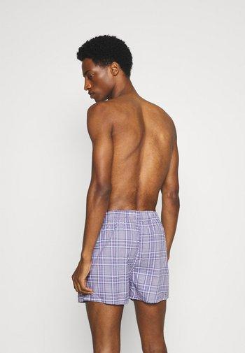 MEN CHECK 2 PACK - Boxer shorts - lilac/grey