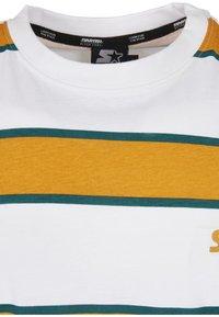 Starter - Printtipaita - white/yellow - 6