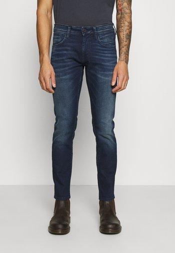 CASH 5 PKT - Slim fit jeans - dark blue denim