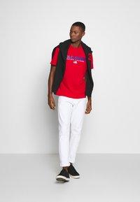 Polo Ralph Lauren - POLO SPORT - T-shirt imprimé - red - 1