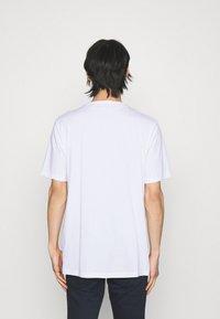 HUGO - DOLIVE - T-shirts print - white - 2
