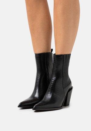 DOCTUN - Cowboy/biker ankle boot - noir