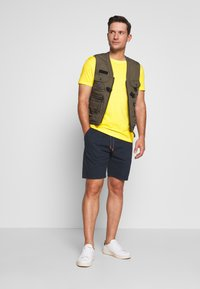 INDICODE JEANS - THISTED - Shorts - navy - 1