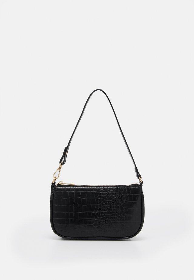 ONLBELINDA BAGETTE BAG - Pochette - black