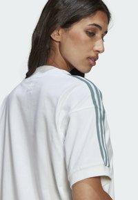 adidas Originals - TEE DRESS - Vestido ligero - white - 5