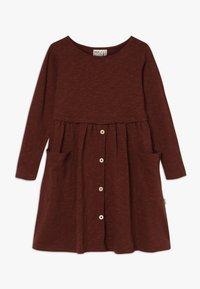 Mainio - BUTTON DRESS SLUB - Jersey dress - hot chocolate - 0