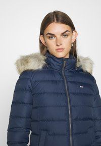 Tommy Jeans - BASIC - Chaqueta de plumas - twilight navy - 8