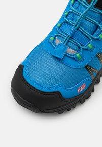 TrollKids - KIDS TROLLTUNGA MID UNISEX - Hiking shoes - medium blue/green - 5