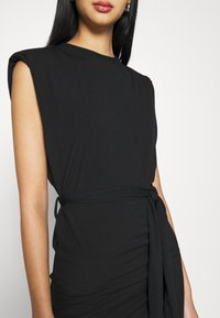 Missguided - SHOULDER PAD BELTED MINI DRESS - Cocktail dress / Party dress - black - 5