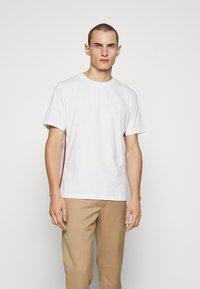Paul Smith - Jednoduché triko - white - 0