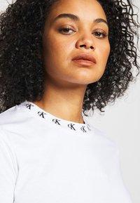 Calvin Klein Jeans Plus - PLUS LOGO TRIM TEE - Print T-shirt - white - 3