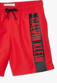 Calvin Klein Swimwear - MEDIUM DRAWSTRING INTENSE POWER - Badeshorts - red - 2
