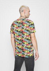 Brave Soul - CAMINGO - T-shirt med print - khaki/multi colour - 2