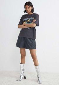Catwalk Junkie - THUNDERHILL - T-shirt print - dark grey - 0
