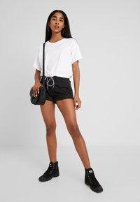 Levi's® - DRAWSTRING TEE - Print T-shirt - white - 1