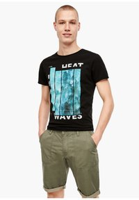 QS by s.Oliver - Shorts - thyme - 3