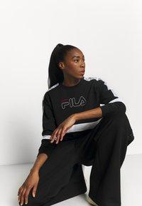 Fila - JACKI TAPED CREW - Sweatshirt - black/bright white - 1