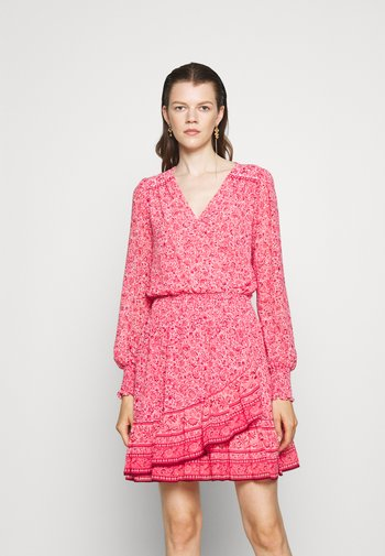 SCARF HIPPIE JULIA DRESS - Vapaa-ajan mekko - rose pink
