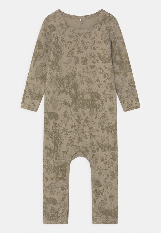 NBMDIOTTO - Pyjamaser - moss gray