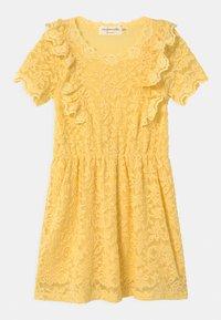 vanilla yellow