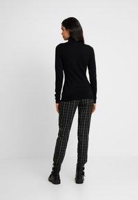 Even&Odd Tall - Sweter - black - 2