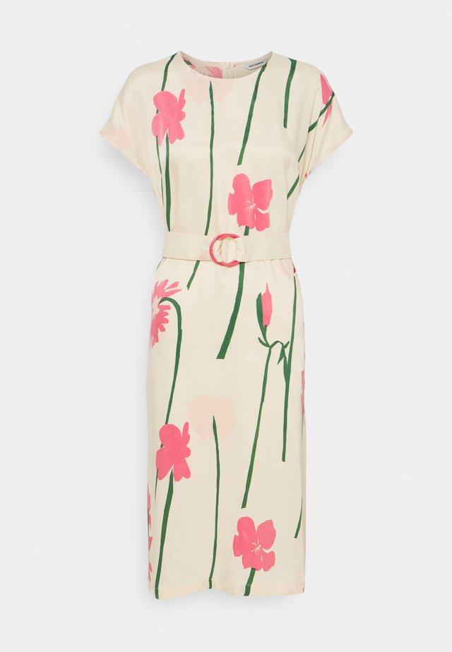 HIETSU TORIN KUKAT DRESS - Day dress - beige/pink/green