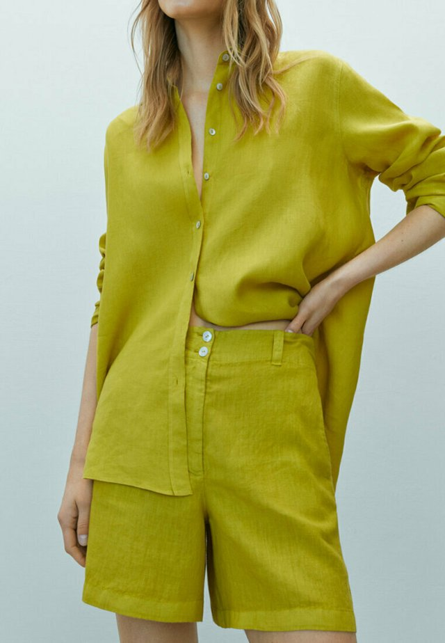 MIT  - Szorty - yellow