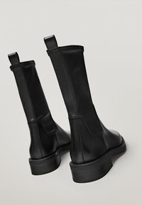 Massimo Dutti - Classic ankle boots - black - 3