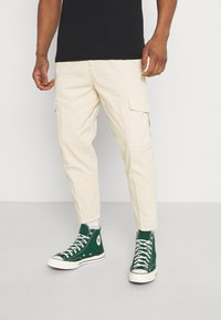 Redefined Rebel - JACOB PANTS - Cargo trousers - sandshell - 0