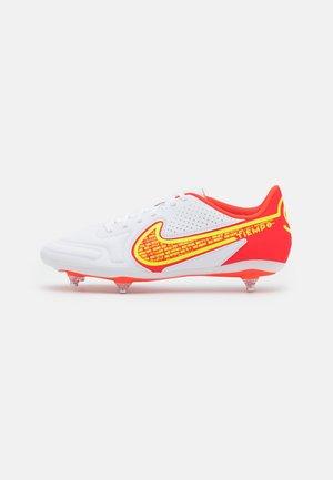 TIEMPO LEGEND 9 CLUB SG - Screw-in stud football boots - white/bright crimson/volt