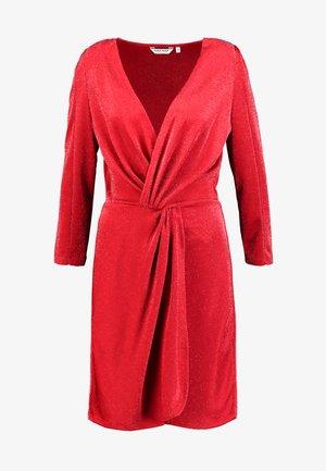 LOBELA - Robe en jersey - cranberry